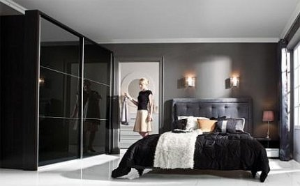 Sypialnia, szafa wnękowa z drzwiami przesuwnymi KAMIX