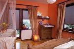 Przytulna sypialnia zimową porą