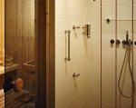 Miejsce na saunę najlepiej wygospodarować w łazience, obok kabiny prysznicowej