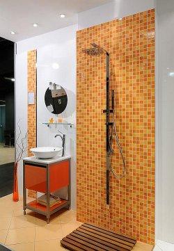 Prysznic bez typowego brodzika może mieć dowolny wymiar i kształt